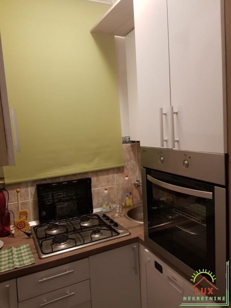 apartman-pov-38-m2-jednosoban-nin-zdrijac-s-vrtom-30-metara-od-mora-4.jpeg