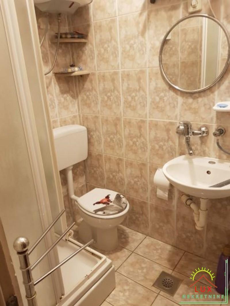 apartman-pov-38-m2-jednosoban-nin-zdrijac-s-vrtom-30-metara-od-mora-8.jpeg