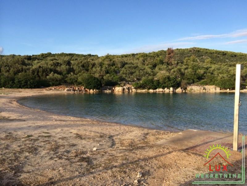 gradevinsko-zemljiste-pov-1343-m2-mjesto-kali-mala-lamjana-na-otoku-ugljanu-16.jpeg
