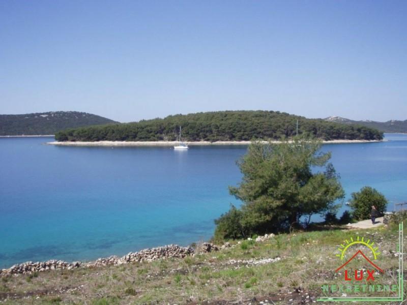 gradevinsko-zemljiste-pov-865-m2-otok-molat-brgulje-50-metara-od-mora-3.jpeg