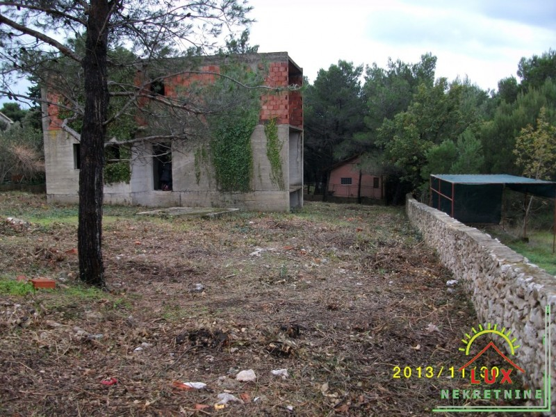 gradevinsko-zemljiste-pov-866-m2-biograd-na-moru-kumenat-3.jpeg