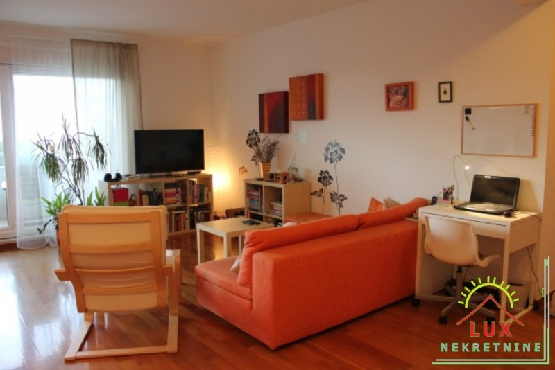 luksuzan-stan-pov-11367-m2-trosoban-zadar-puntamika-300-metara-od-plaze-2.jpeg