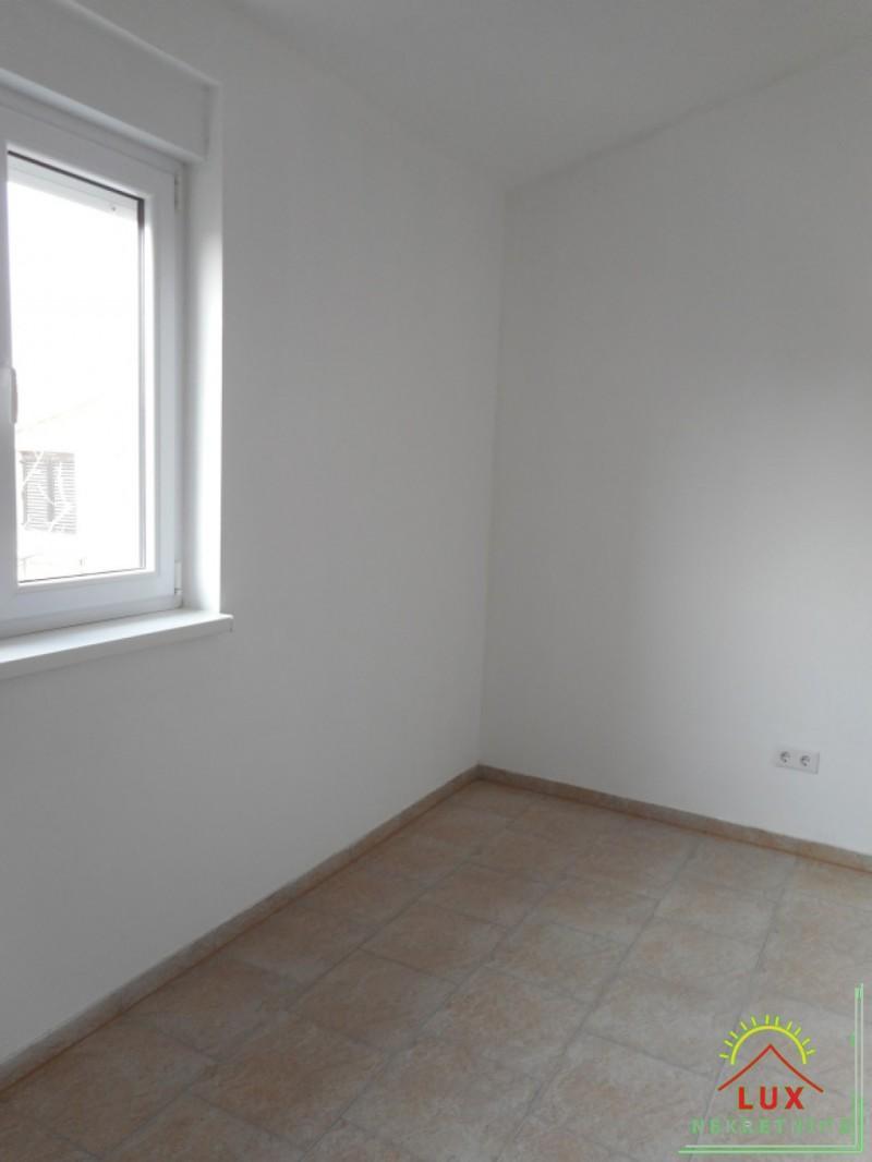 samostojeca-kuca-katnica-pov-312-m2-otok-vir-lucica-sa-4-apartmana-11.jpeg