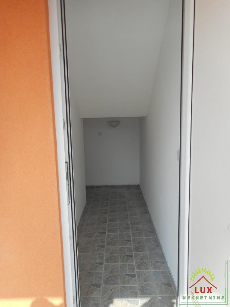 samostojeca-kuca-katnica-pov-312-m2-otok-vir-lucica-sa-4-apartmana-16.jpeg