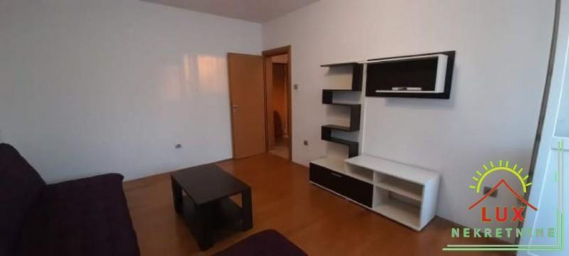 stan-u-zgradi-bez-lifta-pov-56-m2-dvosoban-zadar-vostarnica-2.jpeg